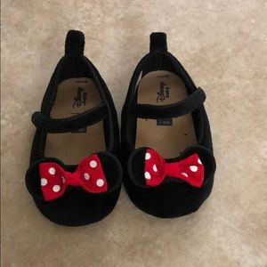 New Minnie Mouse shoes (12-18M)